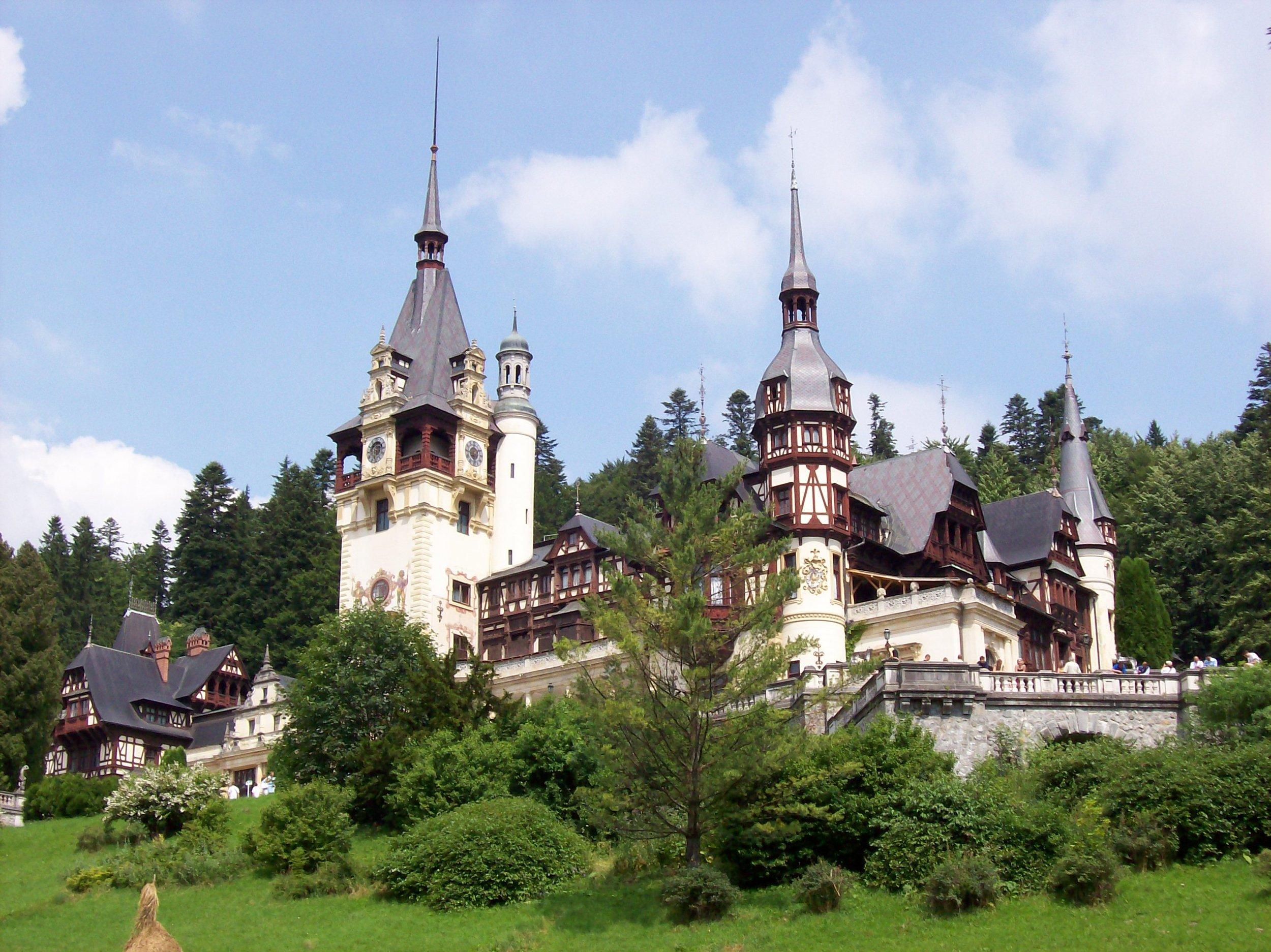 1947 wurde das Schloss Pele? vom kommunistischen Regime beschlagnahmt. Erst seit 2008 gehört es wieder der Königsfamilie. Es dient als Museum oder für Filmproduktionen    Foto: Gemeinfrei