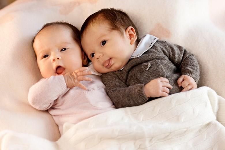 So goldig waren Josephine und Vincent wenige Tage nach ihrer Geburt    Foto: Det danske Kongehus,Steen Brogaard