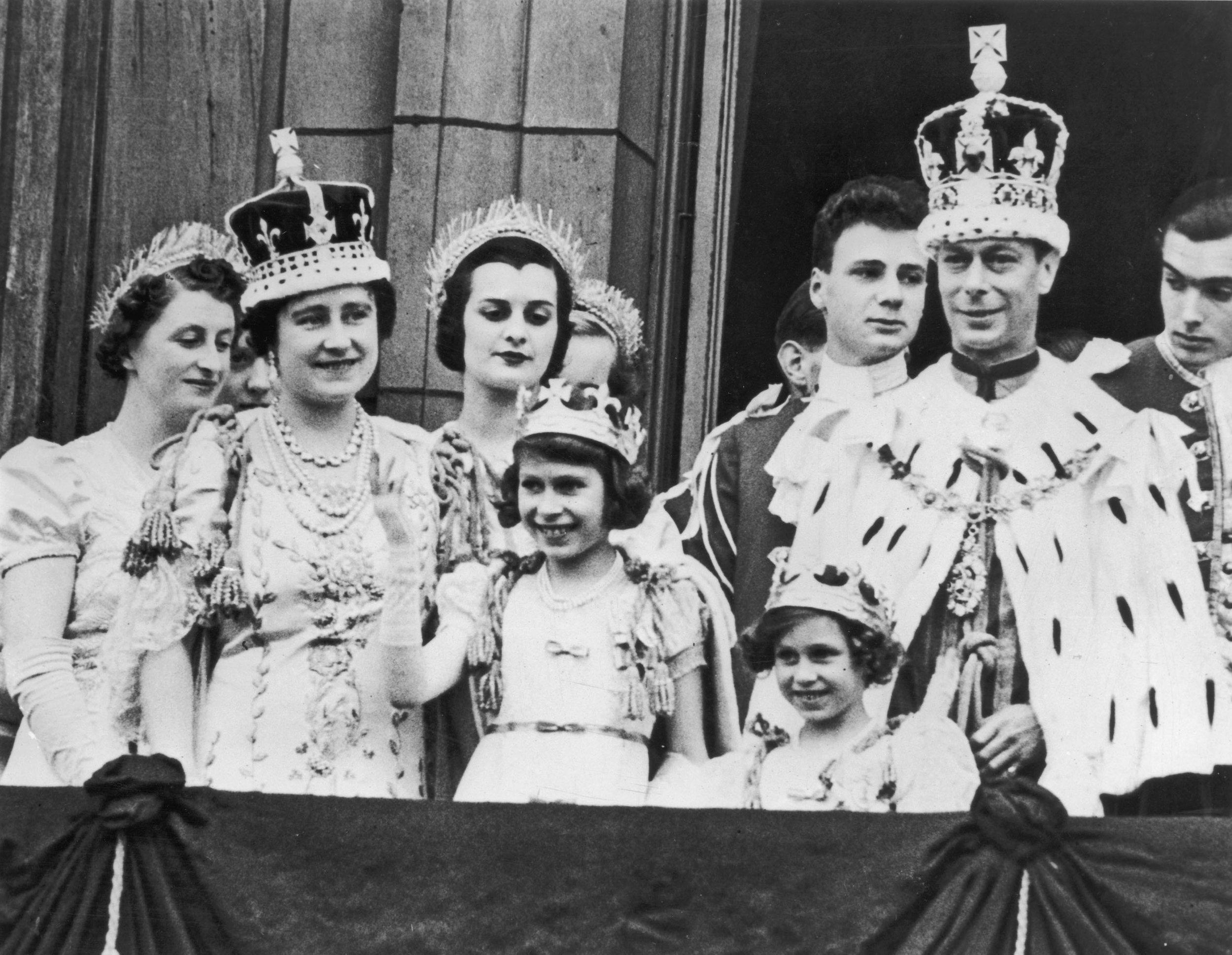 Ihr Vater George VI. wurde am 12. Mai 1937 gekrönt. Elizabeth war damals erst elf Jahre alt. Foto: Getty Images