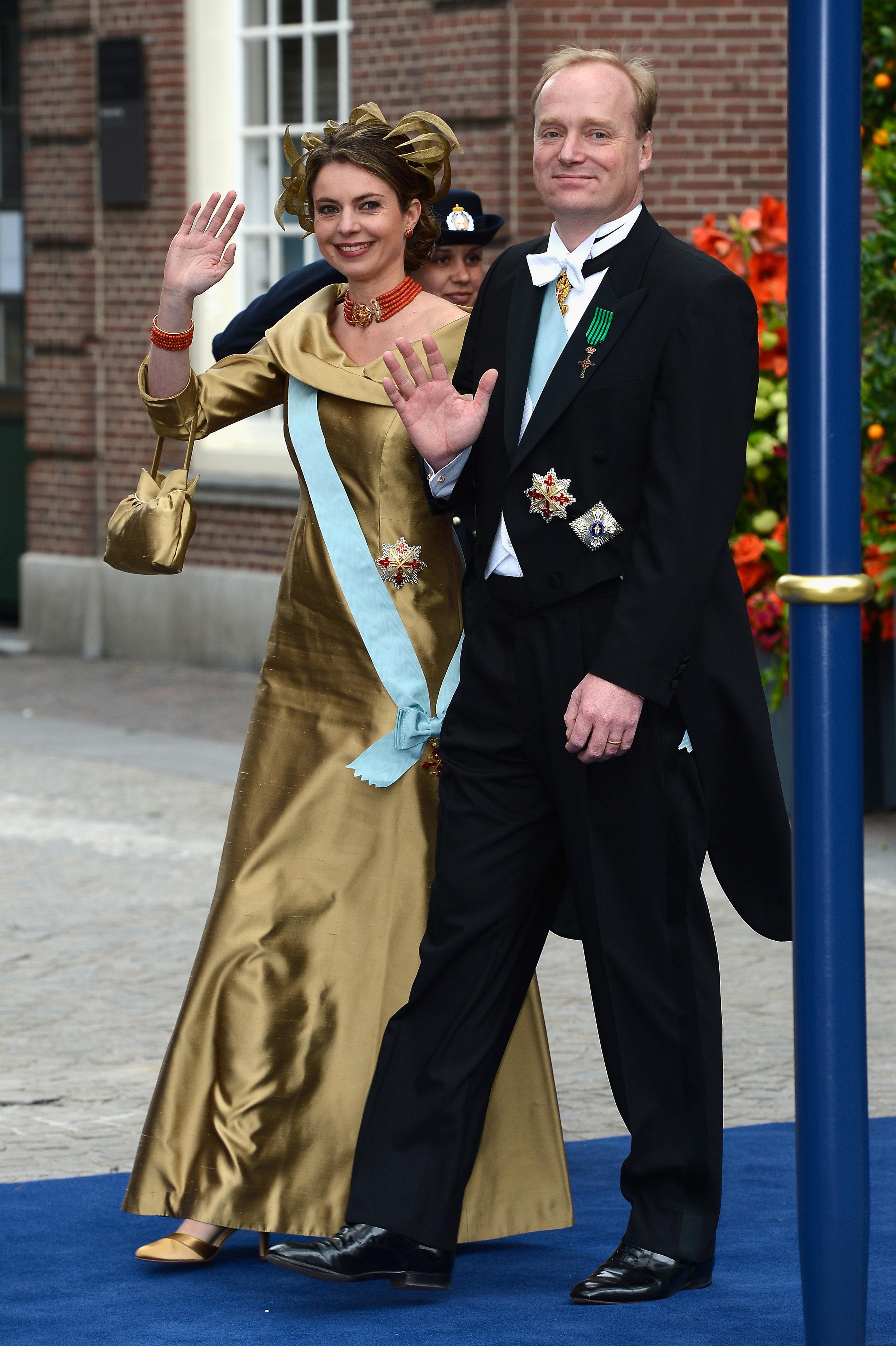 Mit seiner Frau Prinzessin Annemarie hat Prinz Carlos auch noch zwei Töchter und einen Sohn.    Foto: Getty Images