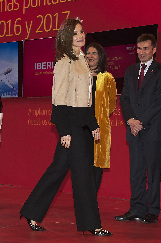 Oben schlicht, unten wow! Letizia überrascht mit mörderischen High Heels.    Foto: Getty Images