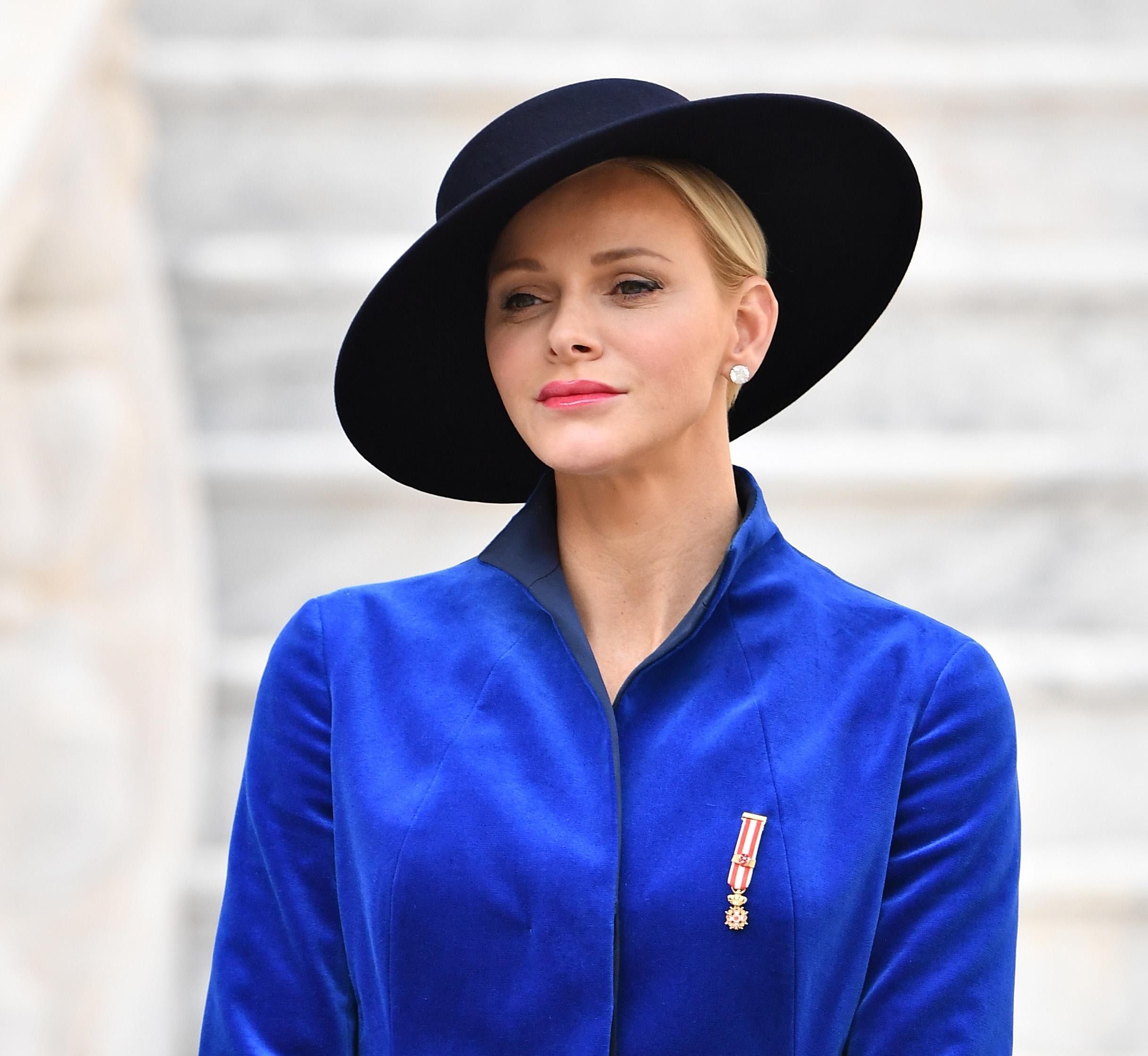 Unnahbar oder schüchtern? Viele Menschen haben eine Meinung zu Fürstin Charlène     Foto: Getty Images