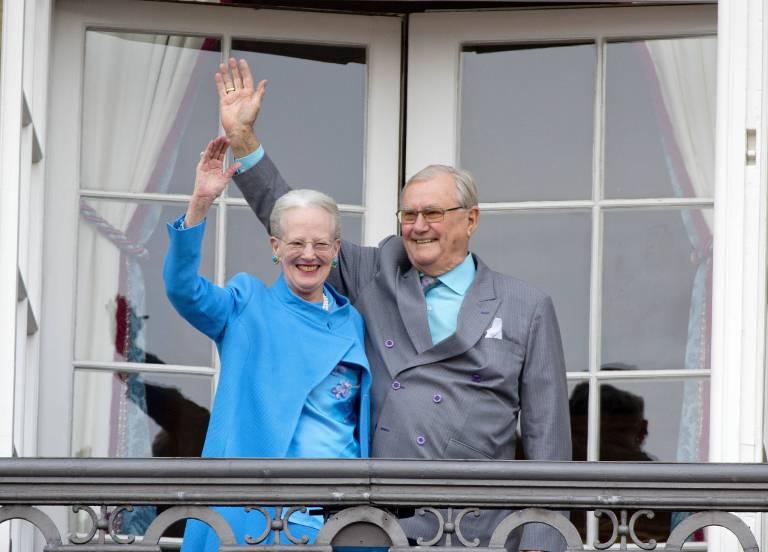 Königin Margrethe von Dänemark steht ihrem Mann auch in dieser Zeit bei.     Foto: imago/PPE