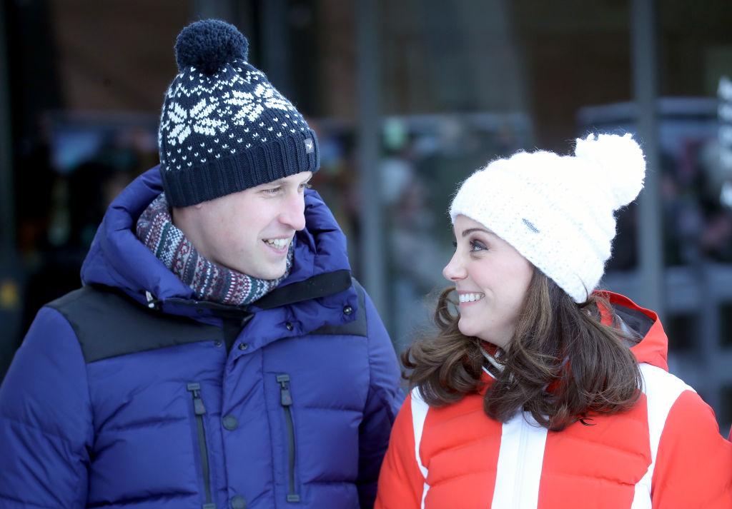 Total verliebt: Prinz William und Herzogin Kate in Norwegen.    Foto: Getty Images