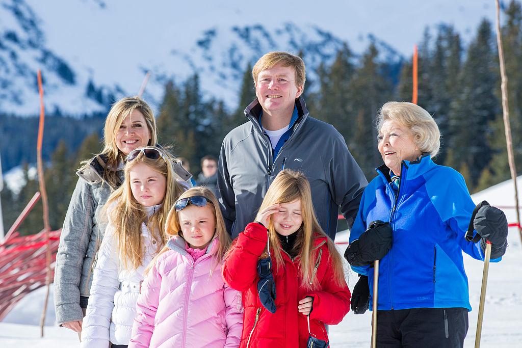 Die niederländische Königsfamilie geht gerne Skilaufen. Die drei kleinen Prinzessinnen reiten aber auch gerne.    Foto: Getty Images