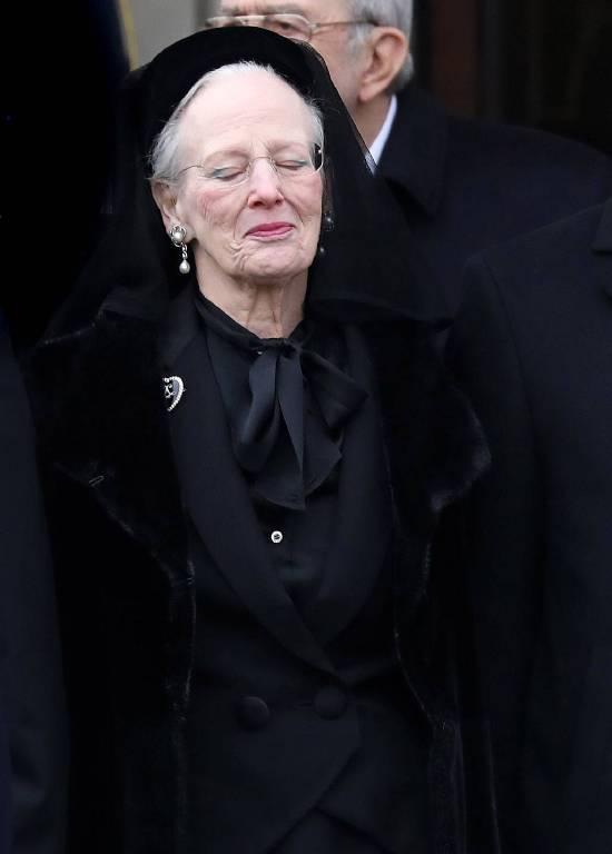Königin Margrethe kämpft gegen ihre Tränen.    Foto:imago/PPE