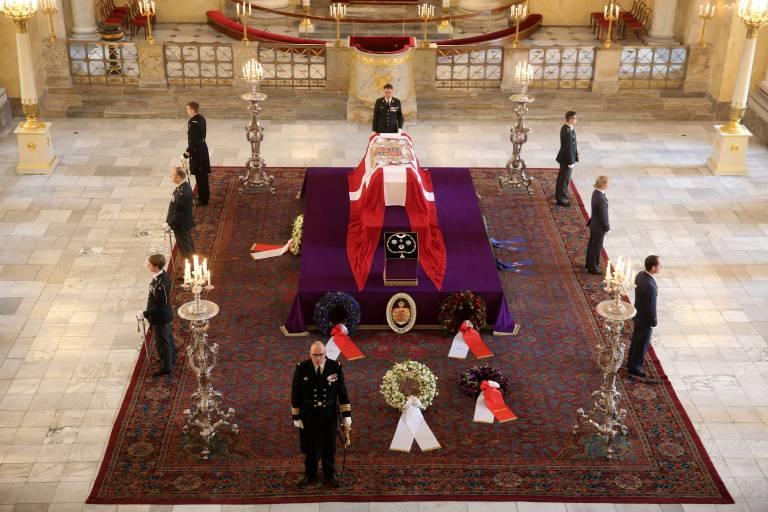 In der Schlosskirche von Schloss Christiansborg konnte auch das Volk zwei Tage von Prinz Henrik Abschied nehmen.    Foto:imago/PPE