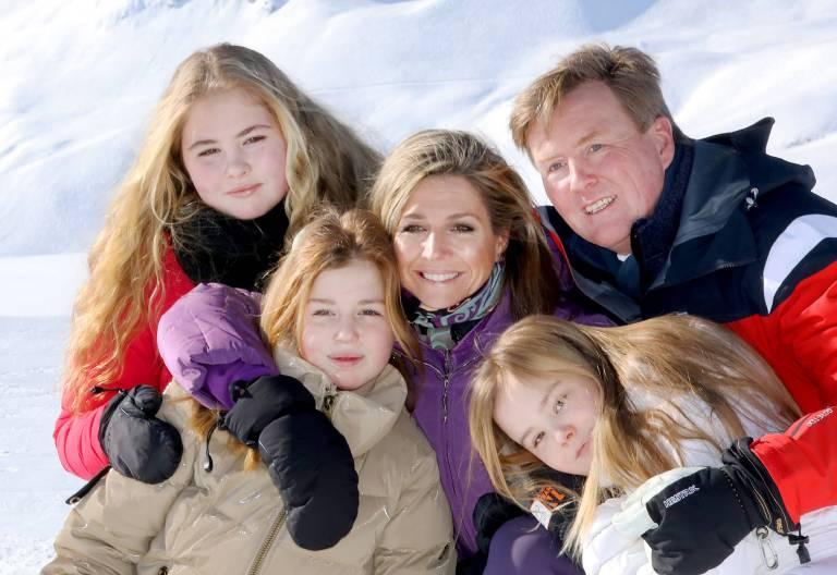 Die niedrländische Königsfamilie posiert für rund 50 Fotografen beim Photocall 2018 in Lech.    Foto: imago/PPE