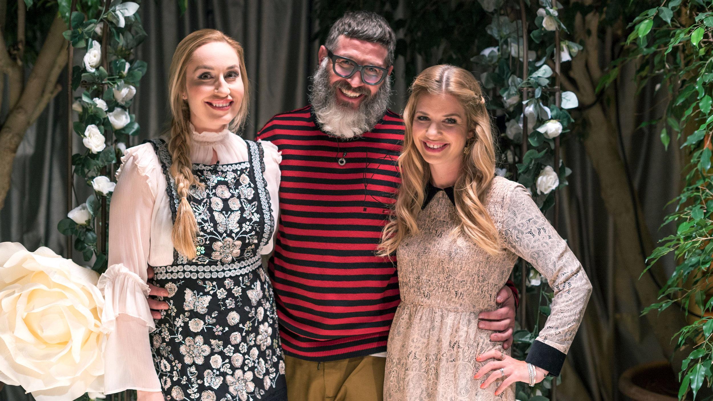 """Prinzessin Elna-Margret, Guido Heinz Frinken und Susan Sideropoulos stellen die Brautpaare vor eine große Herausforderung. In der TV-Show """"Traut euch! In 12 Stunden zum Altar"""" müssen Heiratswillige ihre Hochzeit in einem halben Tag organisieren.    Foto: © RTL II"""