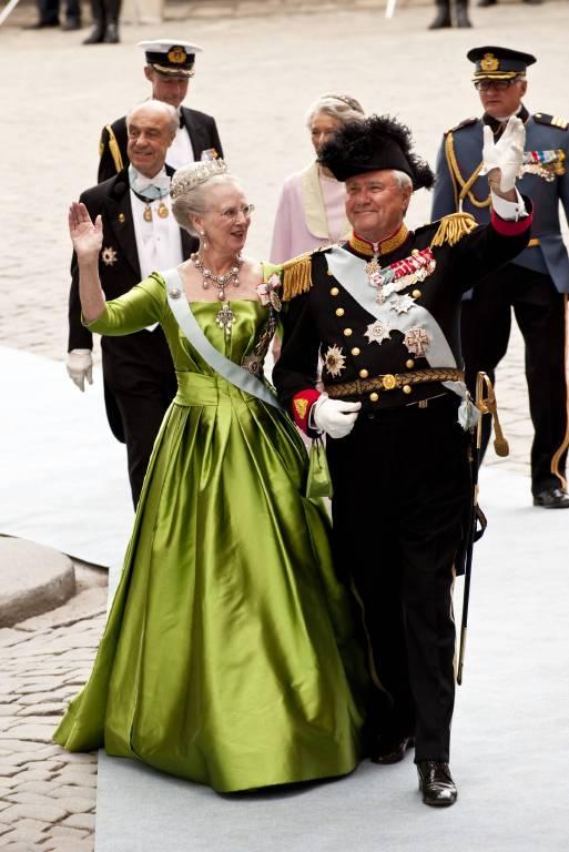 Jedes Kleid der Ausstellung erzählt auch eine schöne Erinnerung an Prinz Henrik.   Foto:imago/Kamerapress