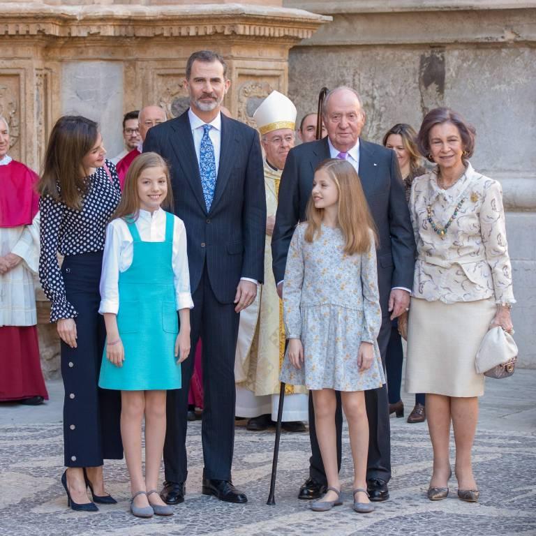 Die spanische Königsfamilie besuchte die Ostermesse in der Kathedrale von Palma. Doch viele befürchten, dass der Familienfrieden nur gespielt ist.   Foto:imago/nicepix.world