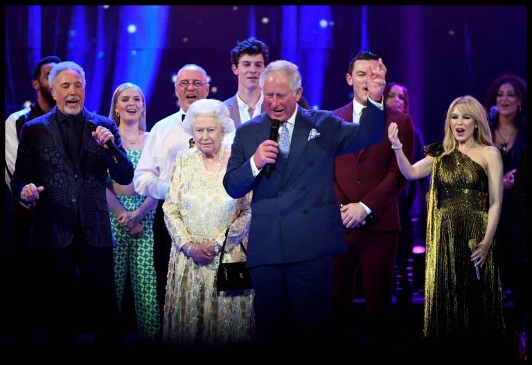 Künstler wie Tom Jones, Kylie Minogue und Sting traten zu Ehren der Königin auf.   Foto: imago/i Images