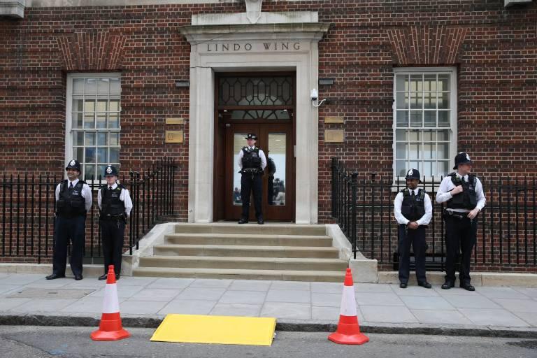 Hinter diesen Mauern wird das dritte Baby von Herzogin Kate und Prinz William geboren.   Foto:imago/i Images