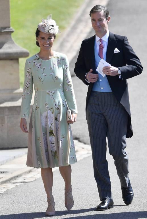 Pippa Middleton und ihr Ehemann James Matthews. Der Babybauch von Herzogin Kates Schwester ist gut versteckt unter ihrem Babybauch.  ©Imago