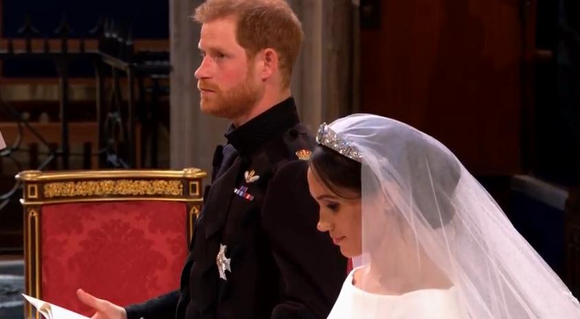 Prinz Harry wirkt nachdenklich. Ein wichtiger Mensch fehlt  ©Screenshot Live-Übertragung Royal Wedding