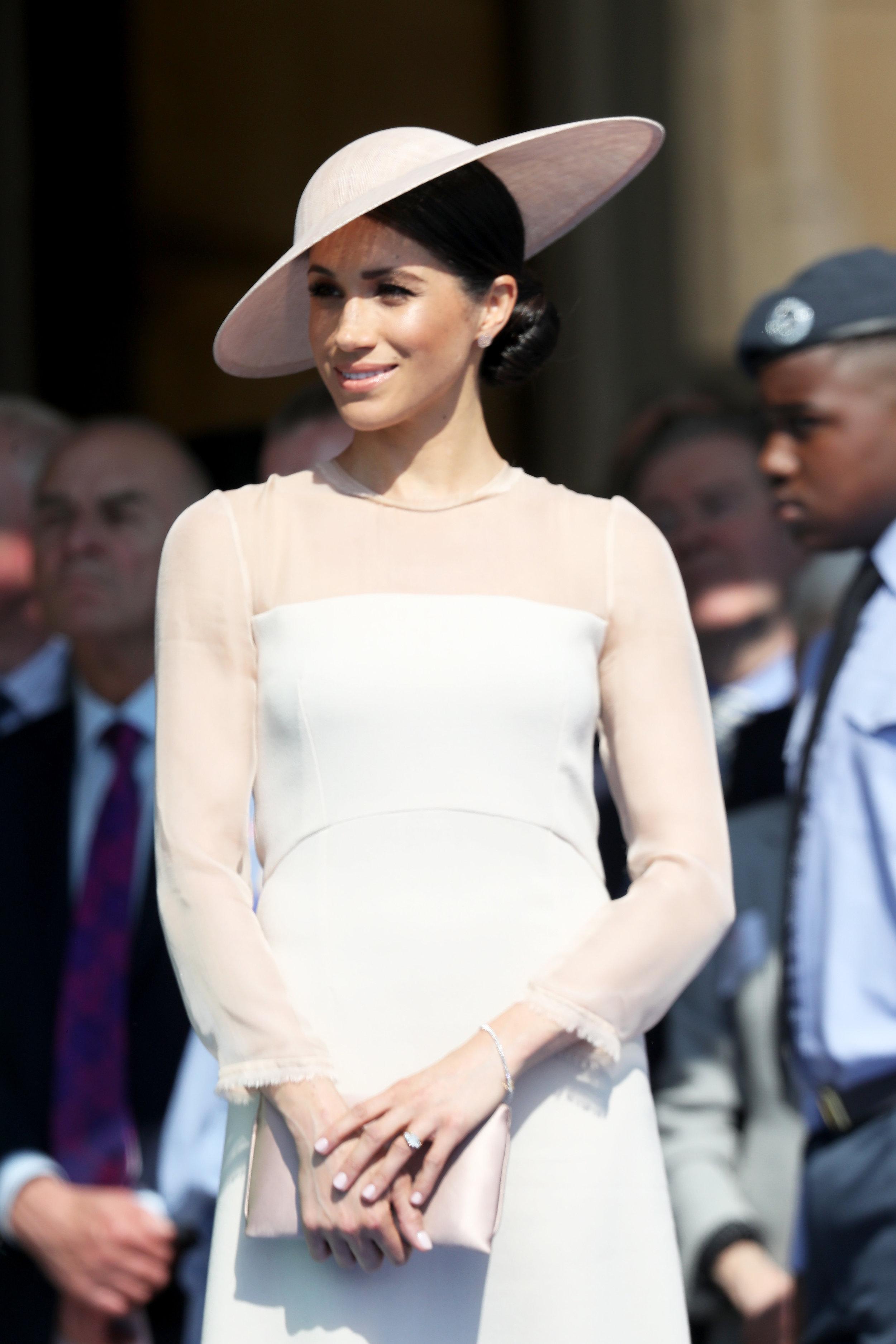 Elegant wie immer. Herzogin Meghan besucht die Geburtstagsfeier ihres Schwiegervaters.  ©Getty Images