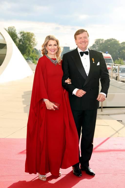 Am Donnerstagabend besuchte das niederländische Königspaar ein  ©imago/PPE