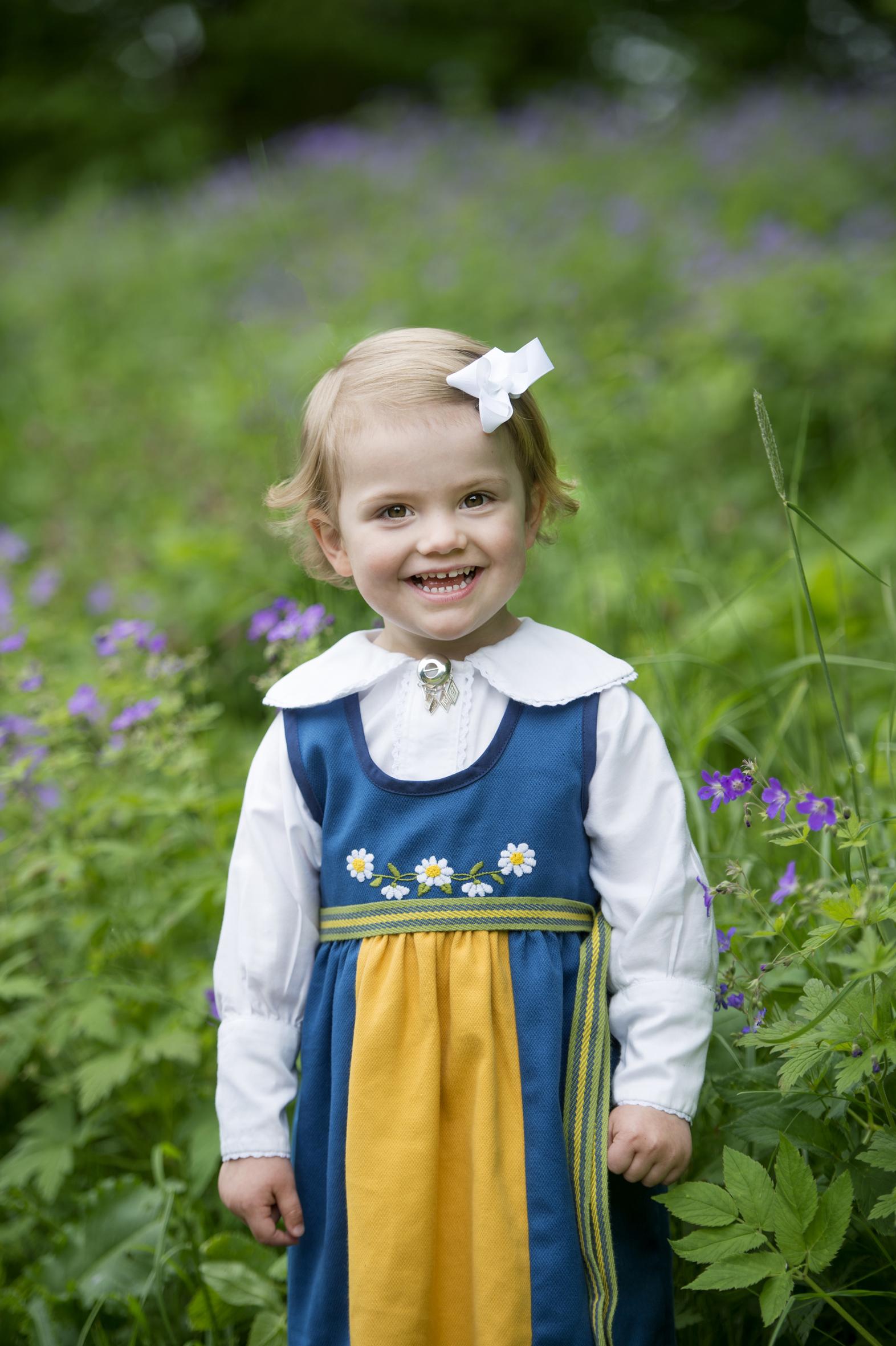 """2014: Inzwischen ist Estelle längst zu Schwedens Liebling avanciert. Ihr Vater Prinz Daniel nennt sie """"kleiner Magnet"""", weil sie die Menschen regelrecht anzieht.  © Erika Gerdemark, Kungahuset.se"""