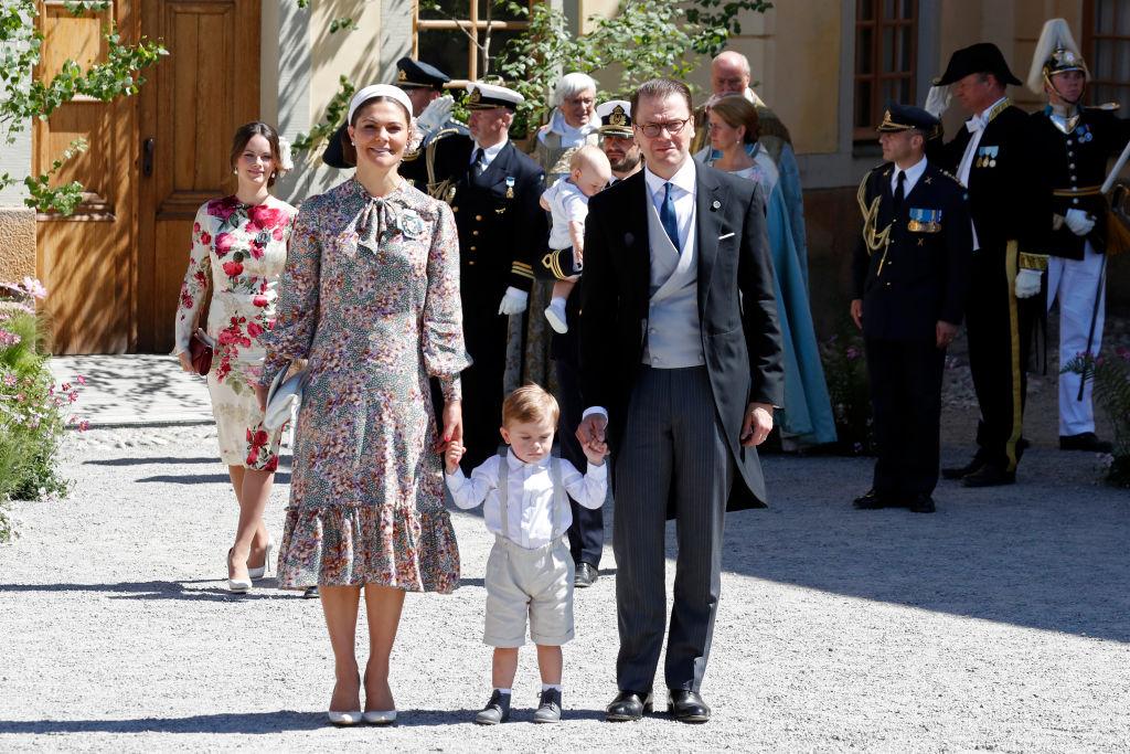 Süß: Prinz Oscar trägt niedliche Hosenträger.  ©Getty Images