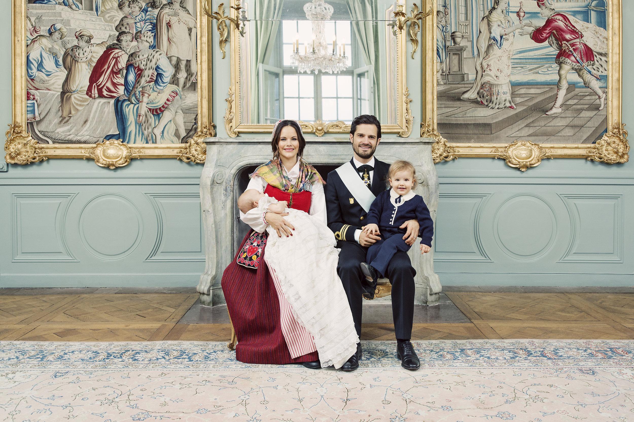 Prinz Alexander (r.) war mit dabei, als die offiziellen Tauffotos seines Bruder gemacht wurden.  ©Erika Gerdemark, Kungahuset.se