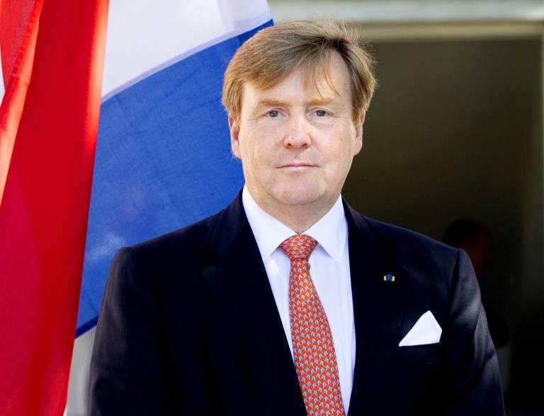 Sichtlich angeschlagen: König Willem-Alexander auf Staatsbesuch in Estland.  ©imago/PPE