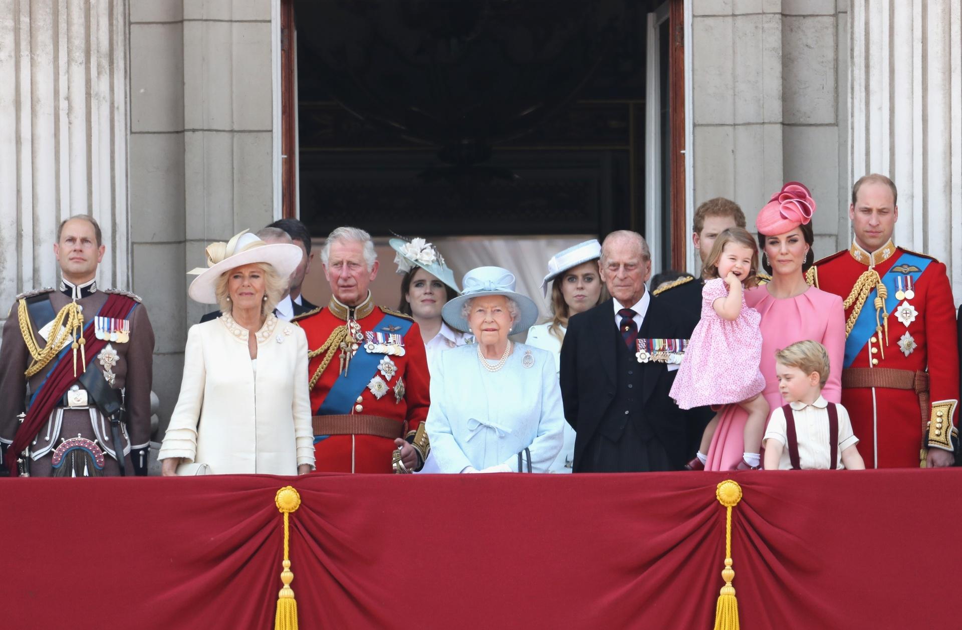 Noch immer stehen Königsfamilien an der Spitze europäischer Länder. Allen Krisen und Skandalen zum Trotz sind sie beliebt wie selten zuvor. Wie konnten diese Monarchien bis heute überdauern?  ©ZDF/Chris Jackson; Getty Images