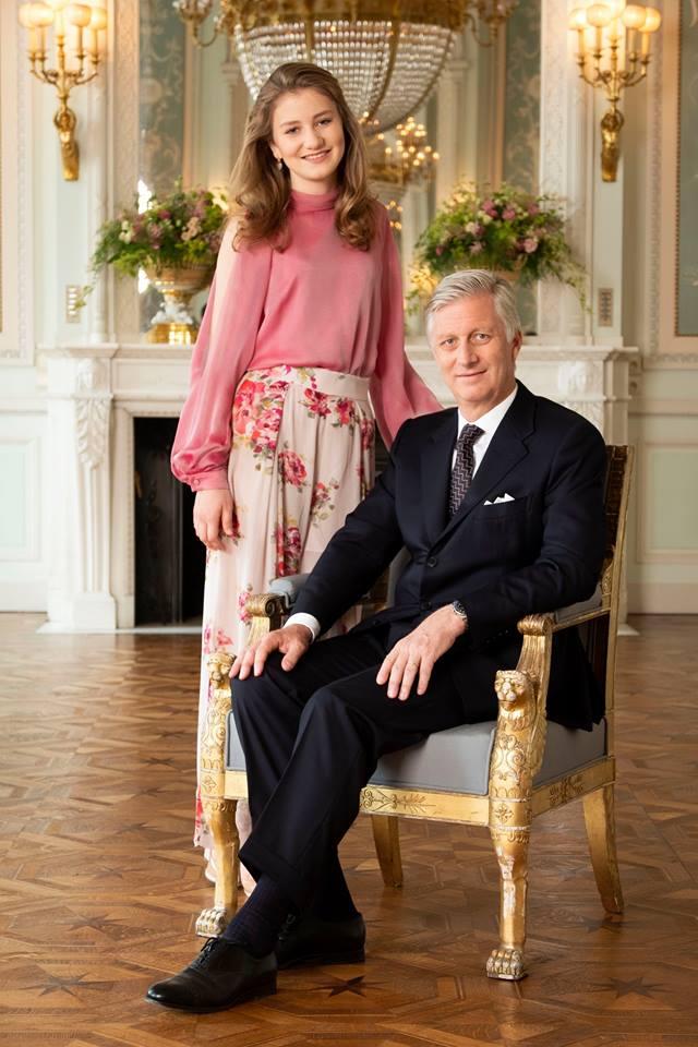 Ein süßes Vater-Tochter-Duo: Prinzessin Elisabeth mit König Philippe der Belgier.  ©Koninklijk Paleis