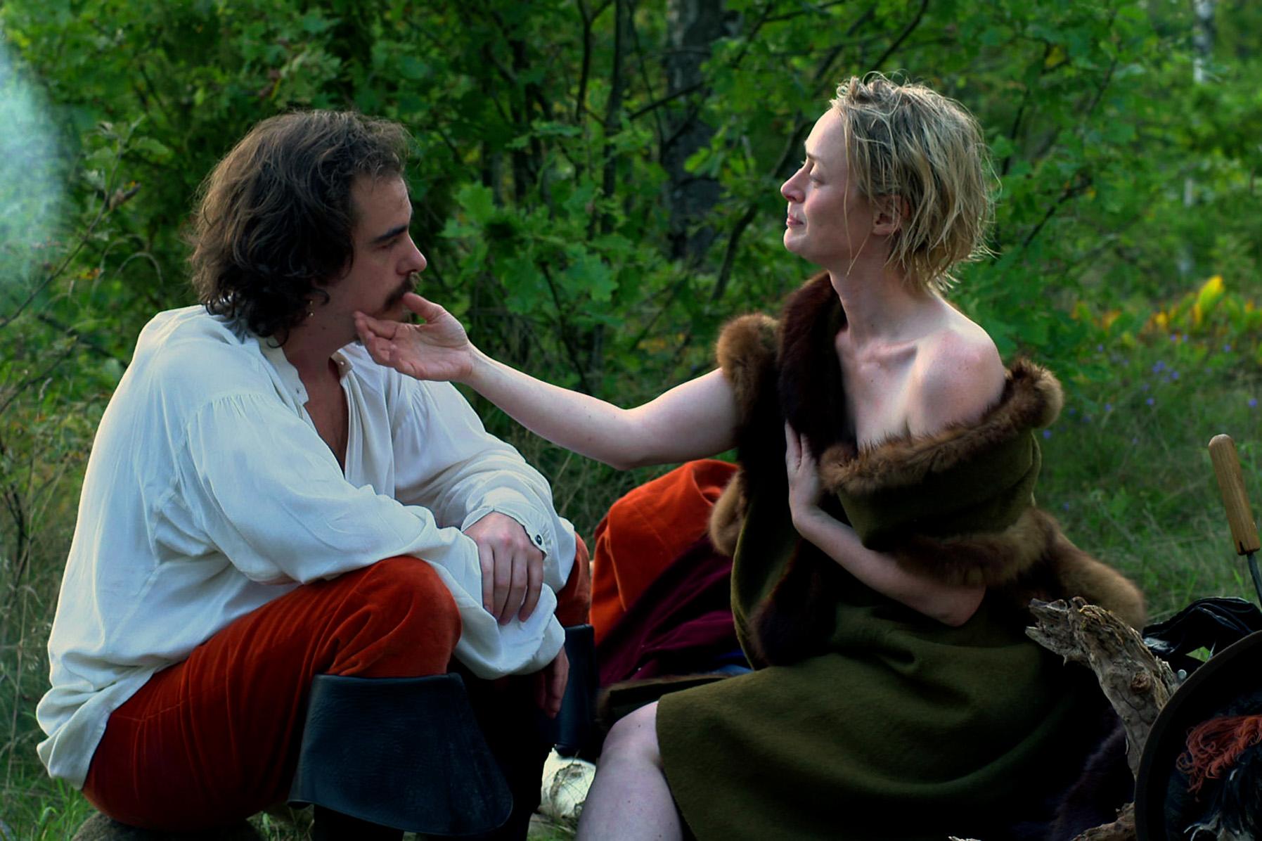 Magnus de la Gardie (Otto Hargne Kin) ist Christinas (Saga Gärde) Liebhaber in jungen Jahren. Später wendet er sich gegen sie.   © Ralf Gemmecke/DM Film