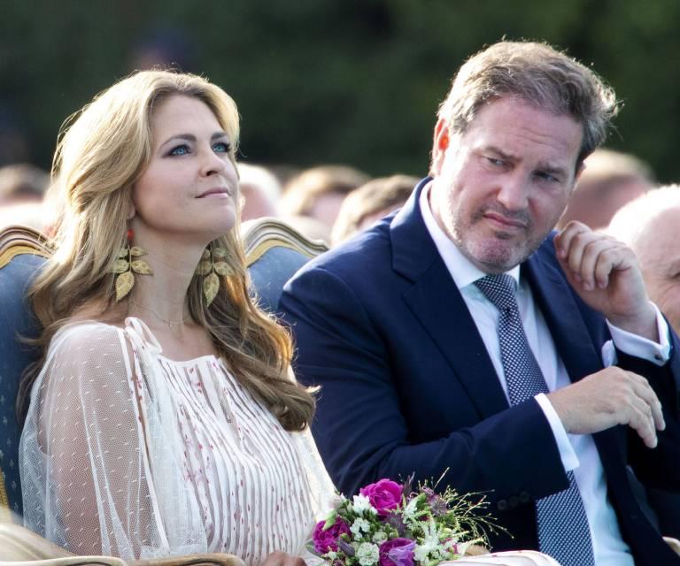 Prinzessin Madeleine und Chris O'Neill wollen mit ihren Kindern nach Florida ziehen. Dem schwedischen Volk ist das jedoch ein Dorn im Auge.   ©imago/PPE