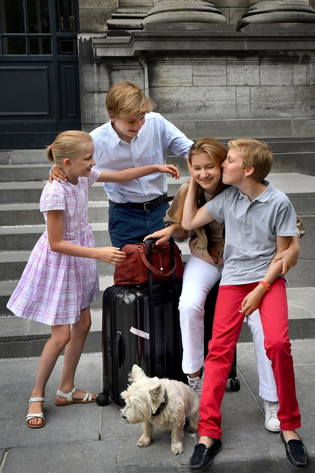 Sie werden einander vermissen. Prinzessin Elisabeth und ihre jüngeren Geschwister Prinz Gabriel,Prinz Emmanuel (r.) und Prinzessin Eléonore.  ©Koninklijk Paleis