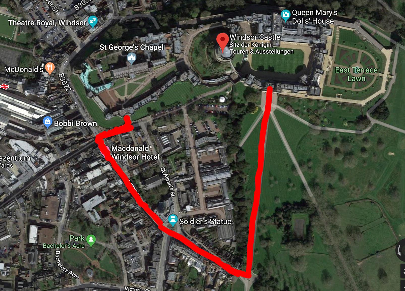 """Diese Route nehmen Prinzessin Eugenie und Jack Brooksbank mit der Kutsche. Sie fahren nur ein kleines Stück auf dem """"Long Walk"""".  ©Google Maps"""