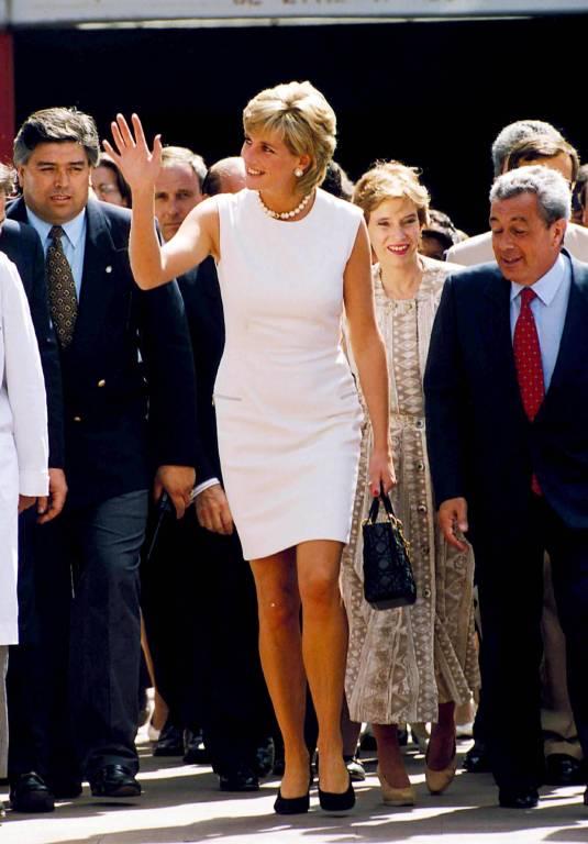 Ob im klassischen Kostüm oder im tief ausgeschnittenem Kleid – Prinzessin Diana machte immer eine gute Figur.  ©imago