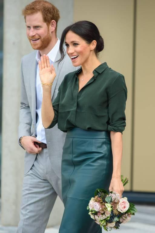 Gut gelaunt gingen Harry und Meghan auf die Menschen zu.  ©imago