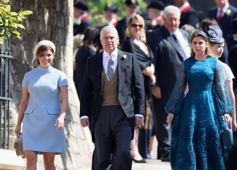 Was wird Prinzessin Eugenie für ein Brautkleid bei ihrer Hochzeit tragen? Diese Frage interessiert die Zuschauer brennend. Zur Trauung von Harry und Meghan kam sie im Sixties-Style.  ©imago