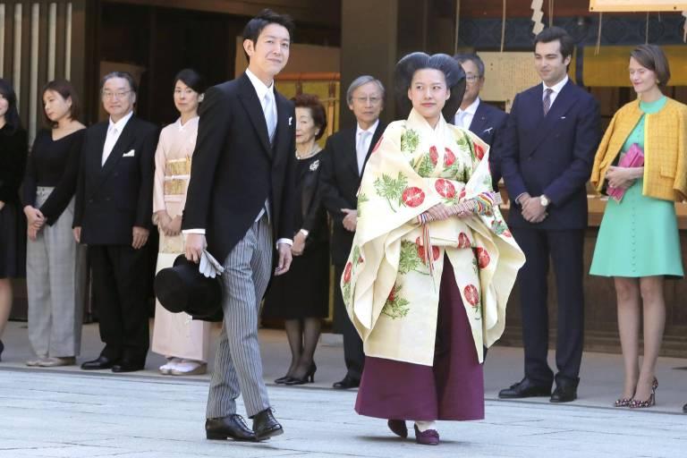 Prinzessin Ayako trug für die Hochzeit die typische Frisur der Heian-Ära.  ©imago stock & people