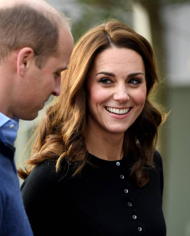 Herzogin Kate und Prinz William waren bei dem Termin im Kensington Palast bester Laune.  ©imago