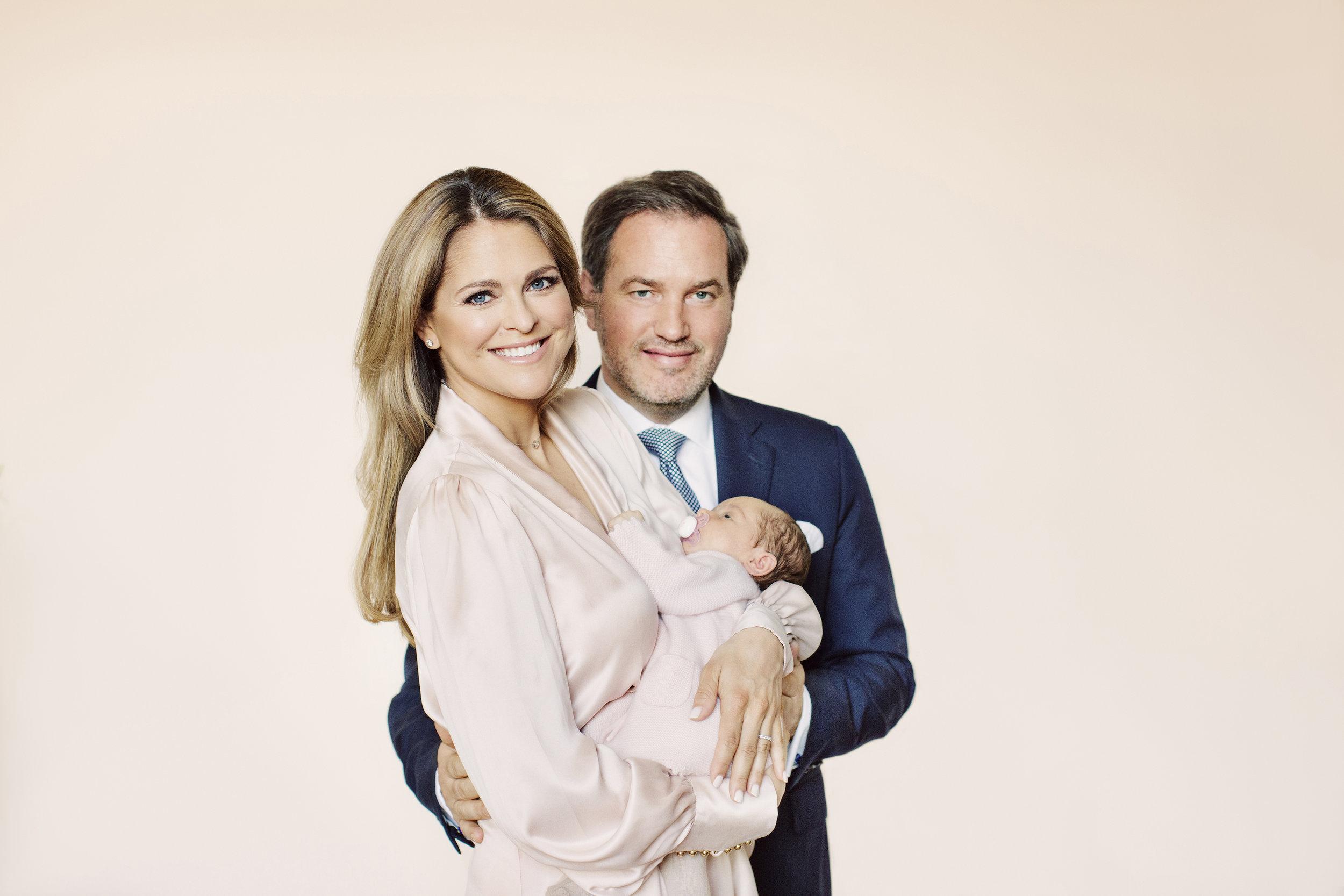Prinzessin Madeleine strahlt vor Glück. Ihr Mann Chris O'Neill und sie wurden zum dritten Mal Eltern.  ©Erika Gerdemark, Kungahuset