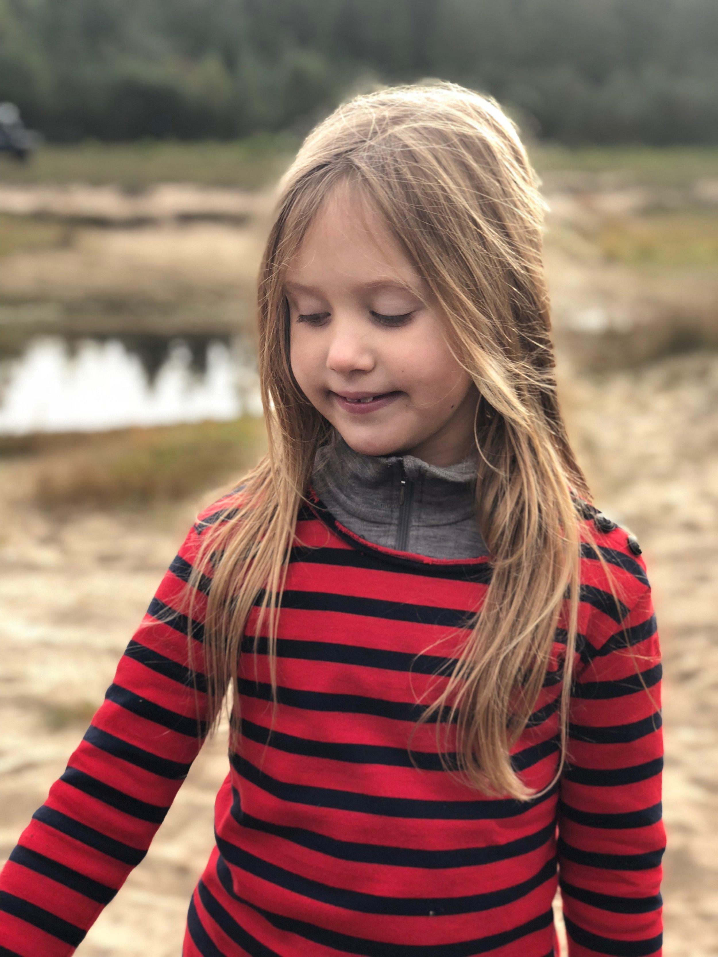 Prinzessin Josephine von Dänemark verbringt ihre Freizeit gerne draußen. Sie reitet gerne auf Ponys.  © H.K.H. Kronprinsessen