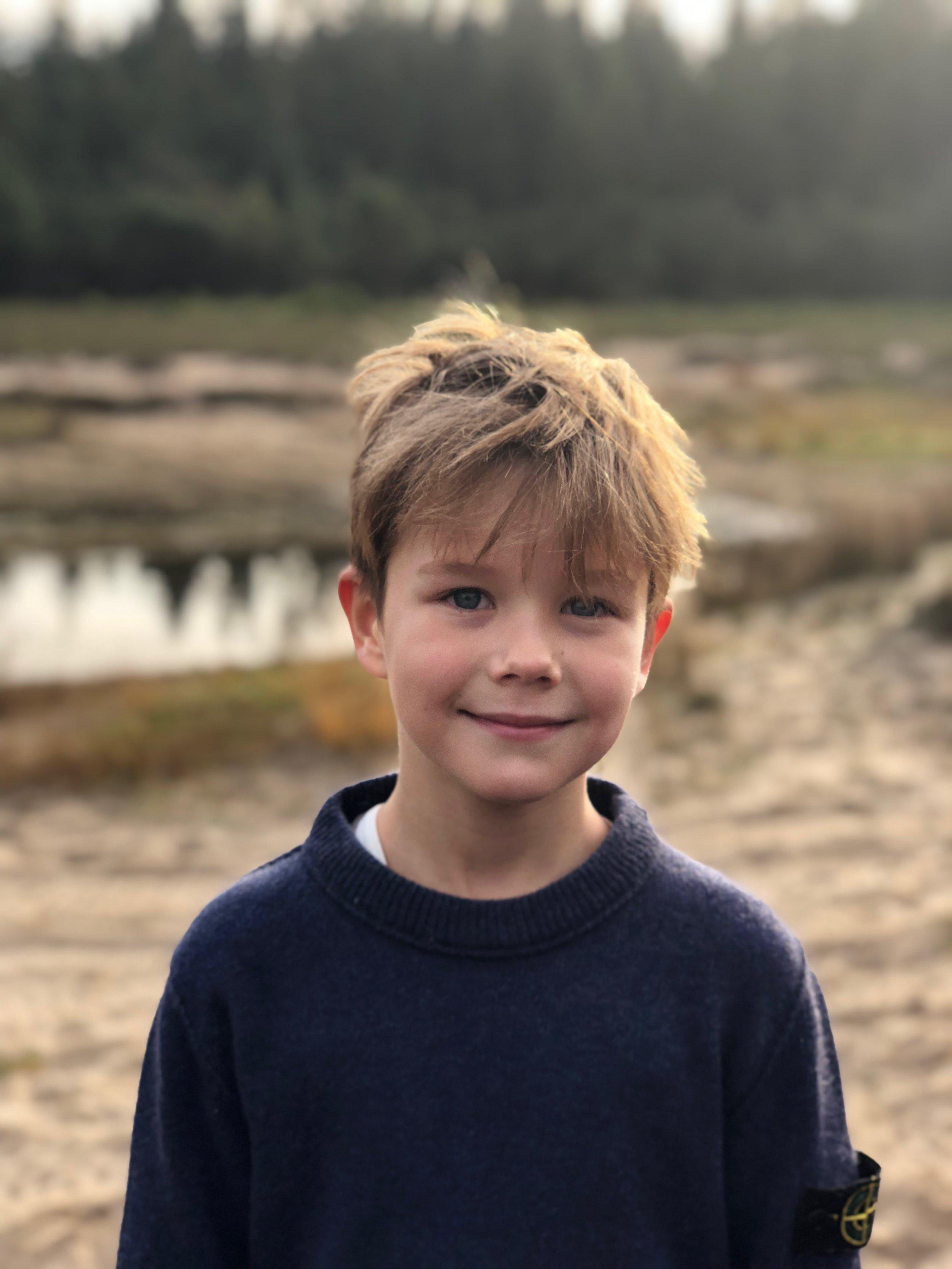 Prinz Vincent ist ein sensibler Junge. Als er in die Schule kam, war er so aufgeregt, dass er ein paar Tränen verdrückte.  © H.K.H. Kronprinsessen
