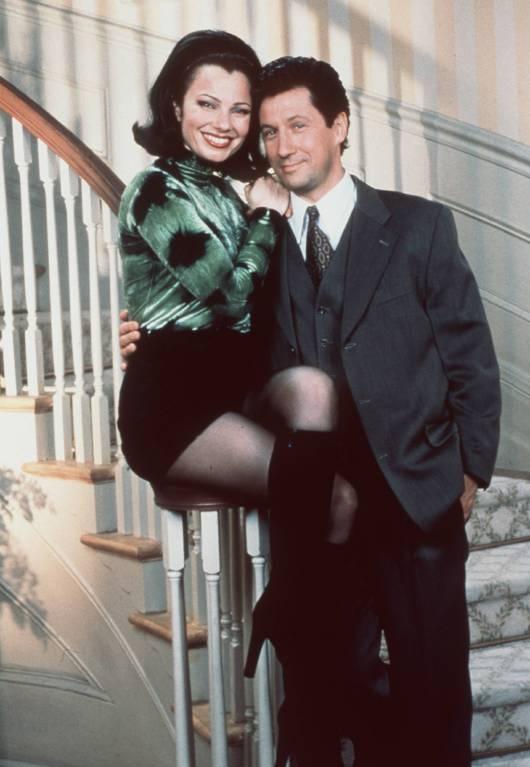 """Fran Drescher in ihrer berühmtesten Rolle """"Die Nanny"""" mit Serienpartner Charles Shaughnessy alias """"Maxwell Sheffield"""".  ©imago/United Archives"""