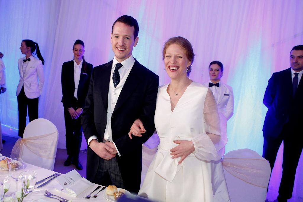 Mit 800 Gästen, darunter auch Kronprinzessin Victoria, feierten Prinz Philip und Prinzessin Danica ihre Hochzeit. Sechs Wochen später gab die Braut ihre Schwangerschaft bekannt.  ©Getty Images