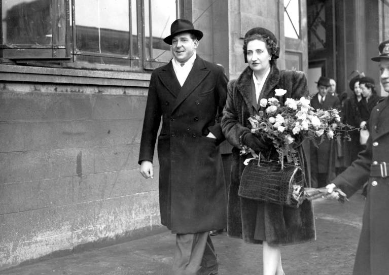 Die Eltern von Juan Carlos: Juan de Borbón y Battenberg und María de las Mercedes de Borbón y Orléans.  ©imago/United Archives International