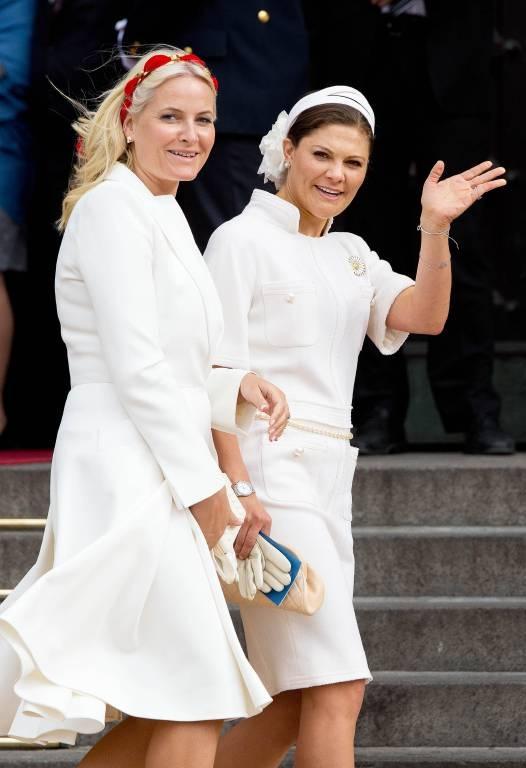 Kronprinzessin Victoria und Kronprinzessin Mette-Marit stehen sich sehr nahe.  ©imago/PPE