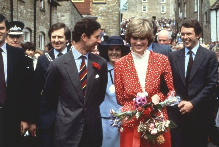 Prinz Charles und Prinzessin Diana waren gleich groß, was nicht gerne gesehen wurde. ©imago