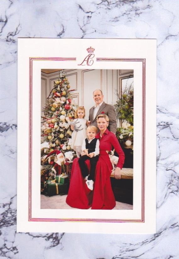 Die Weihnachtskarte von Fürstin Charlène und Fürst Albert von Monaco mit ihren Zwillingen Jacques und Gabriella sorgte bei vielen Fans für Begeisterung.  ©ADELSWELT
