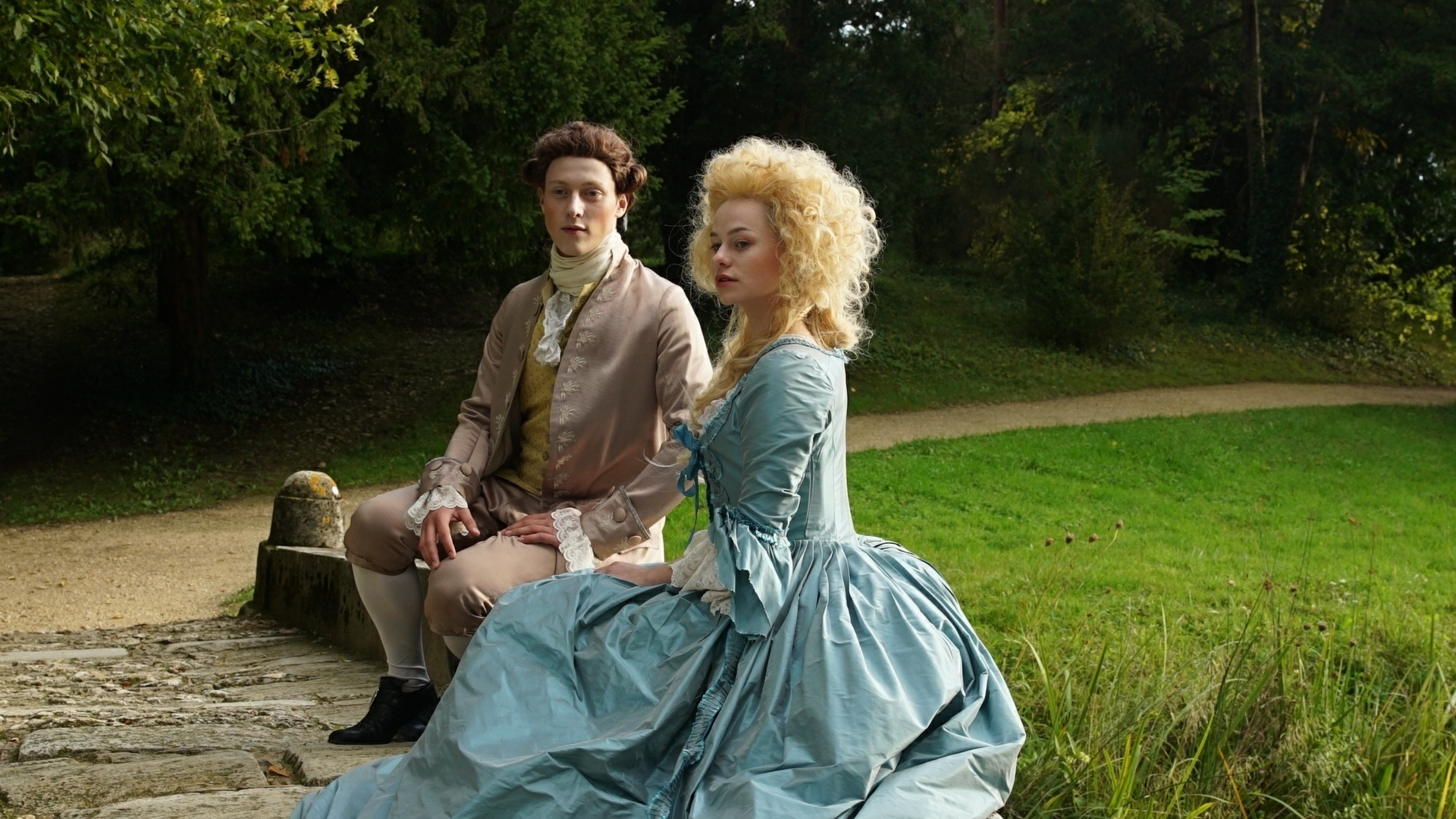 Sie ist Frankreichs wohl berühmteste Königin - Marie Antoinette: Glamour-Girl und Mode-Ikone. Ihr Hang zum Luxus ist legendär und wird ihr während der Revolution zum Verhängnis.  ©ZDF/Sylvie Faiveley