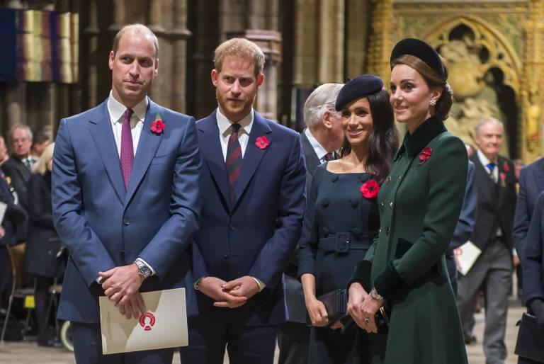 """Bald wohnen die """"Fab Four"""" auch nicht mehr Tür an Tür. Meghan und Harry verlassen den Kensington Palast und ziehen.  ©imago/Starface"""
