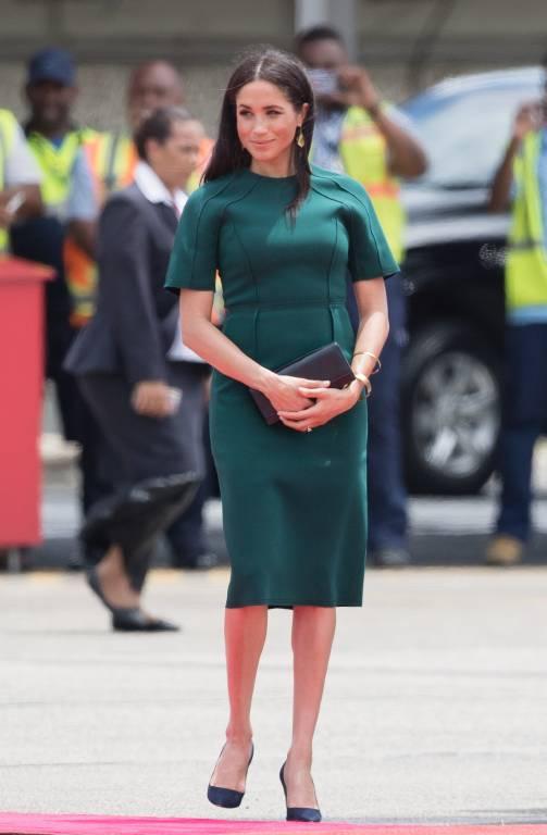 Herzogin Meghan trug während ihres Besuchs auf den Fidschi-Inseln ein grünes Jason Wu-Kleid  ©imago/i Images