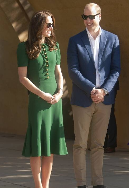 Herzogin Kate und Prinz William während ihres Staatsbesuch in British Columbia im Jahr 2016. Das grüne Kleid stammt von Dolce & Gabbana.  ©imago/UPI Photo