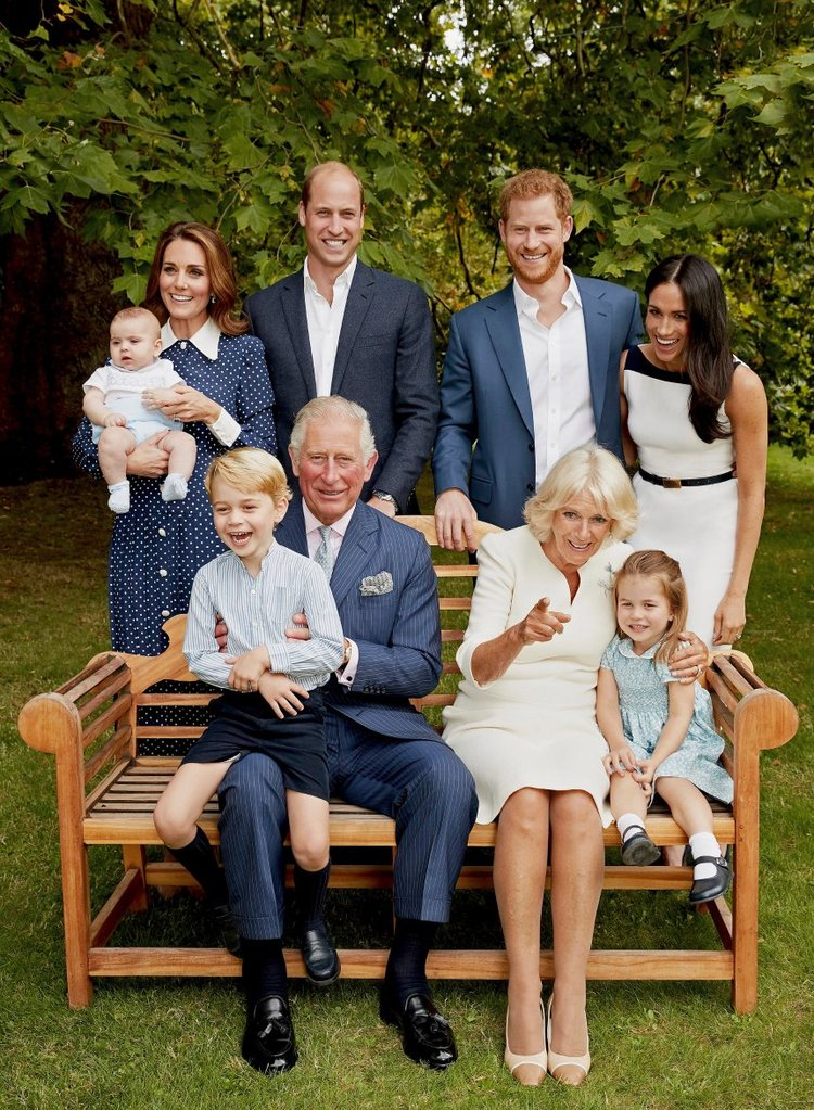 Zum 70. Geburtstag von Prinz Charles wurden neue Familienporträts erstellt. Herzogin Meghan gehört nun dazu.  ©Chris Jackson / Clarence House via Getty Images